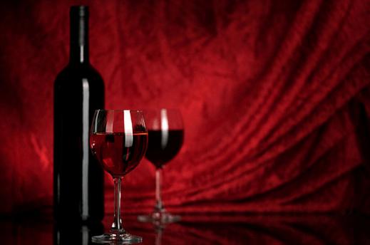 От красного вина болит голова