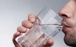 Препарат желательно принимать со стаканом воды