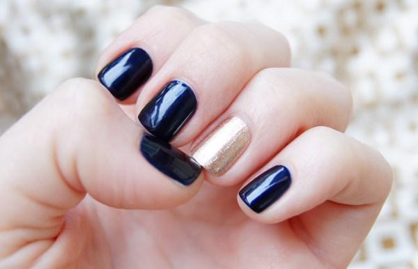 Маникюр с одним ногтем другого цвета