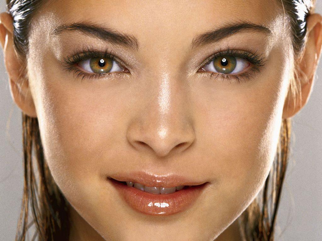Желто-зеленые глаза