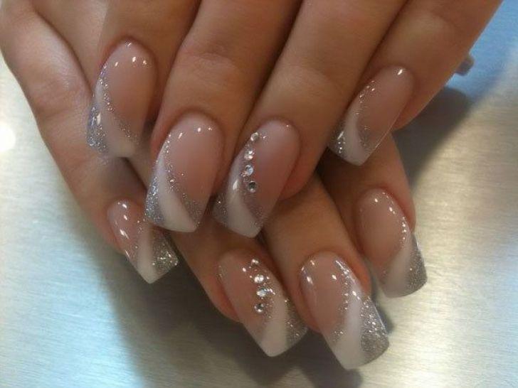 Наращивание ногти гелем