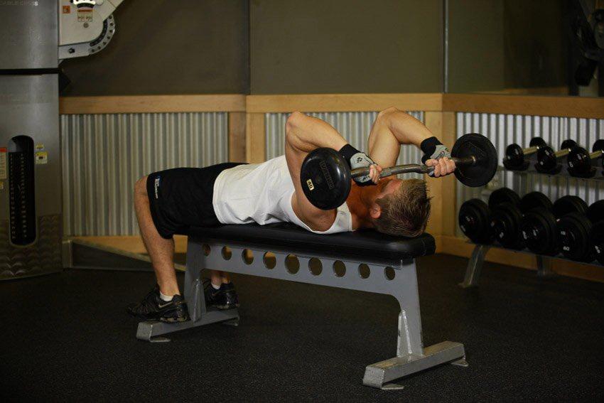 Жим лежа: упражнения для грудных мышц