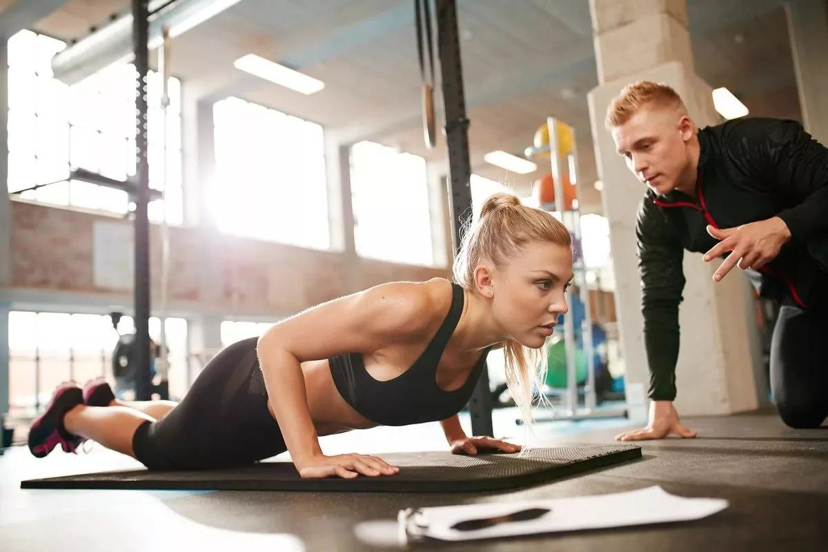 Как часто нужно менять программу тренировок: причины и адаптация